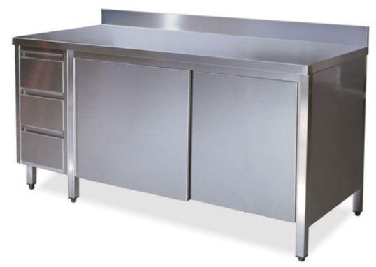 Tavoli armadi con porte su un lato con alzatina e cass. SX